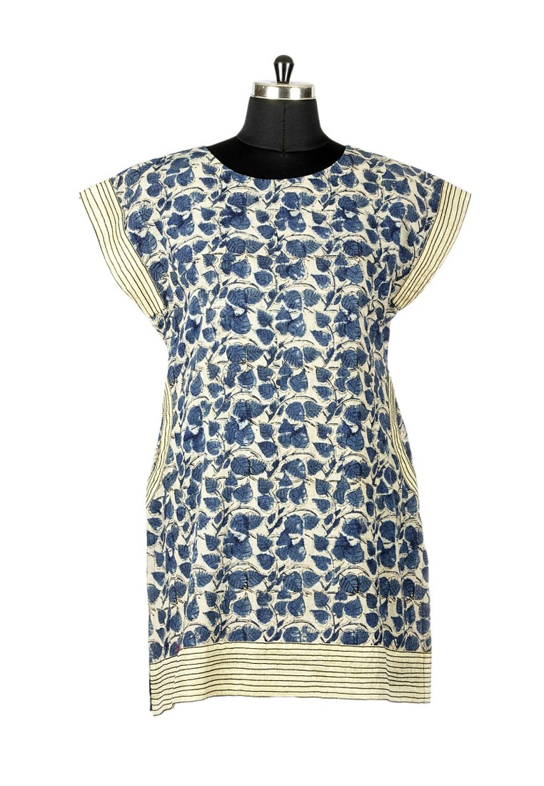 Jullaaha Women Blue Cotton Kurti