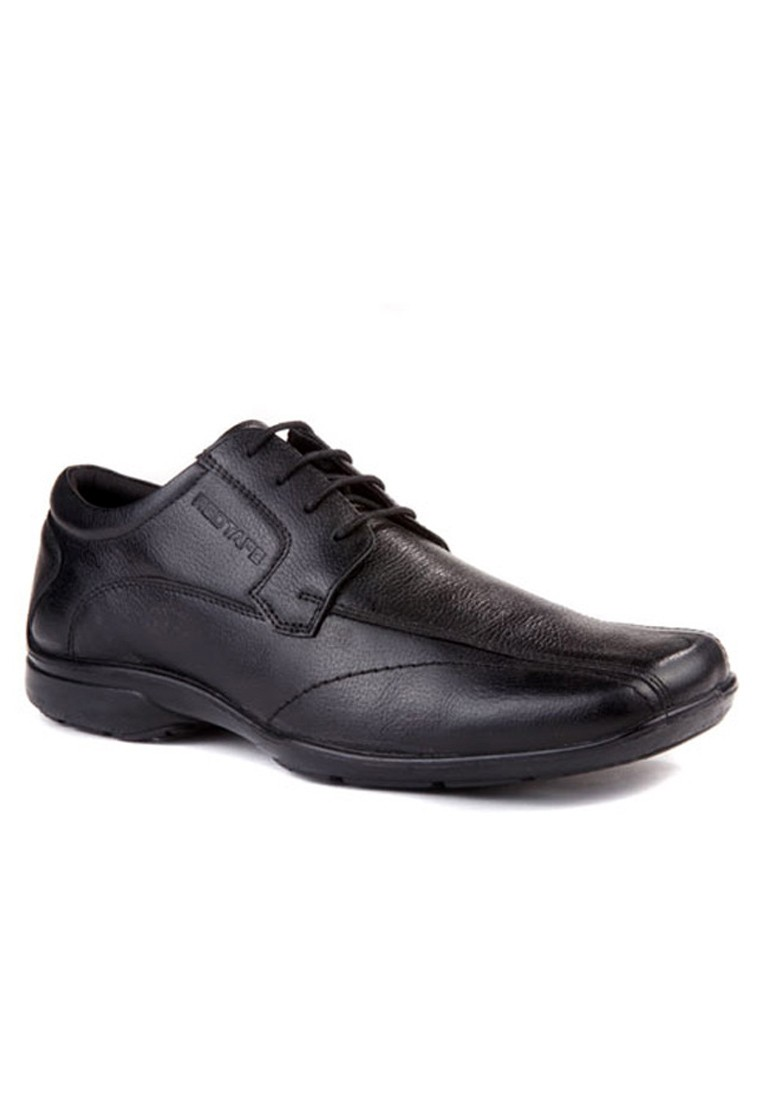Red Tape Formal Shoes For Men